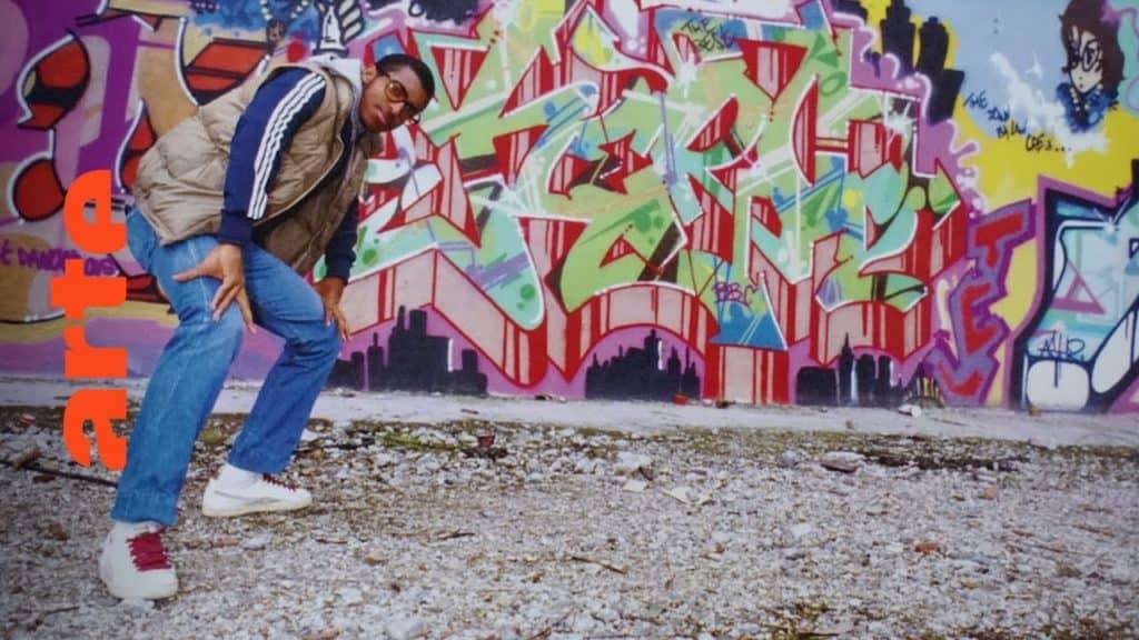 Darco und Gawki gehen auf die deutsche Schule in Paris und gründen 1985 die Sprühergruppe FBI-Crew. Sie werden zu einem festen Bestandteil der Pariser Graffiti-Bewegung, mit einem sehr stadttypischen Style. Paris war das Zentrum der europäischen Szene, aber auch Writer in München, Hamburg, Amsterdam und Kopenhagen gaben neue Impulse und beeinflussten sich gegenseitig.